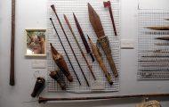 狩るための道具。剣・斧・吹き矢
