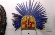 仮面。カラグランジ(=大きな顔)という。部族の繁栄と豊穣、多産などを祈る